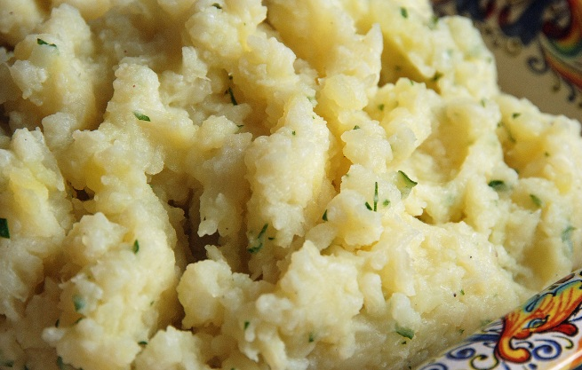 cauliflower-mashed-potatoes-resize1